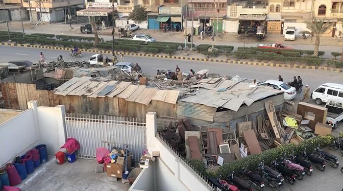 Encroachers block entrance to blood bank in Karachi