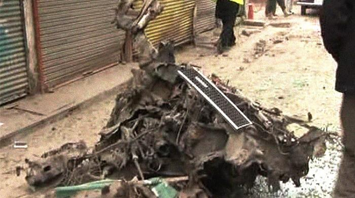 Six injured in Peshawar blast