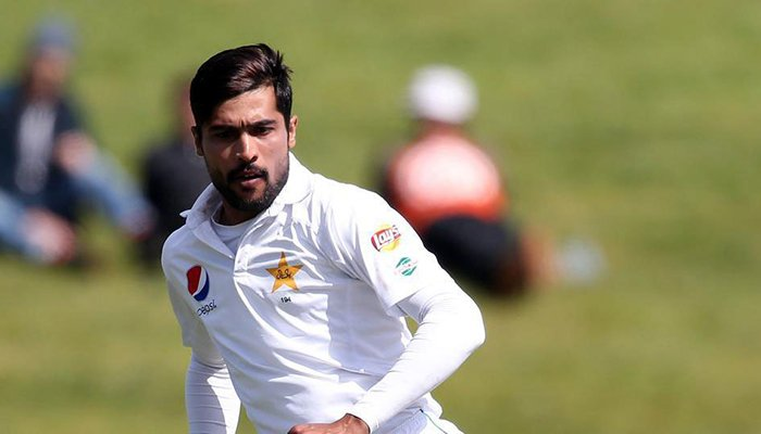 Pakistan tottering, South Africa smelling blood