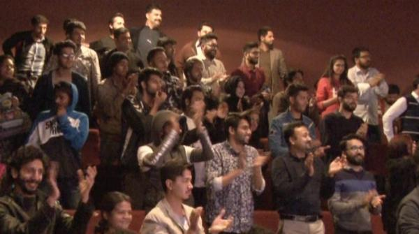 Karachi Laughter Fest cracks up audience