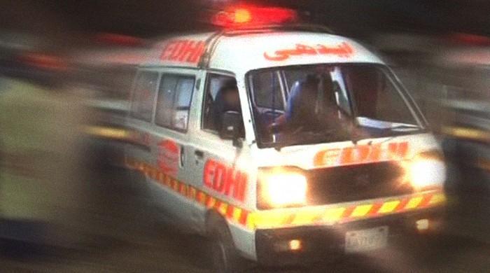 Three people die in various accidents in Karachi
