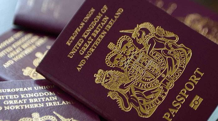 Children born to British parents in Pakistan face passport delays
