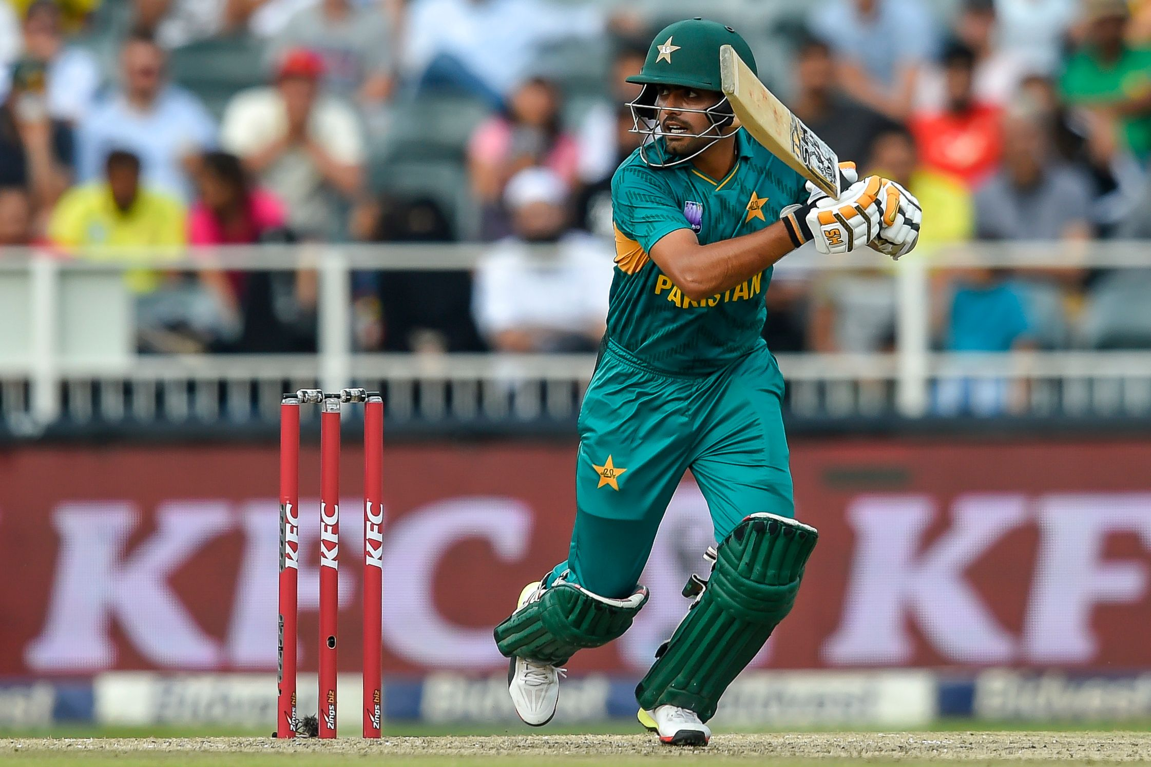 cricket legend imran khan - HD2242×1495