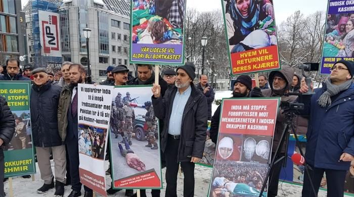 Norwegian-Pakistanis hold demonstration in Oslo in solidarity with Kashmiris