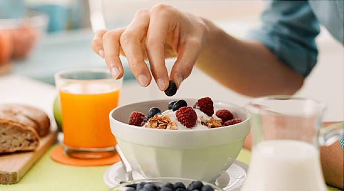 Breakfast may not help keep pounds off
