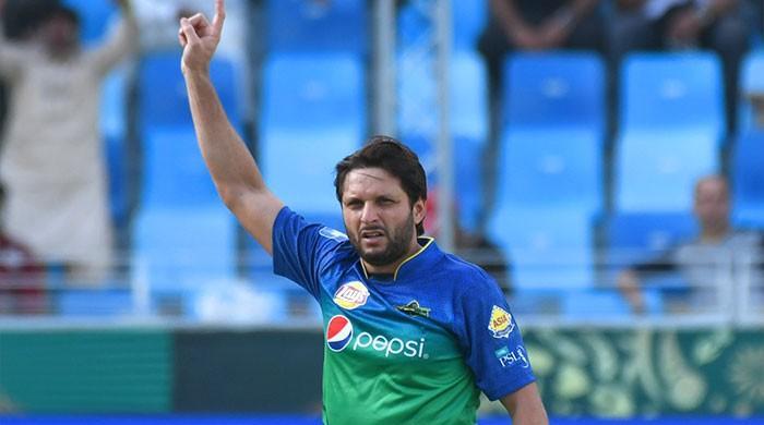 Afridi, Malik take Sultans to winning stand in low-scoring match
