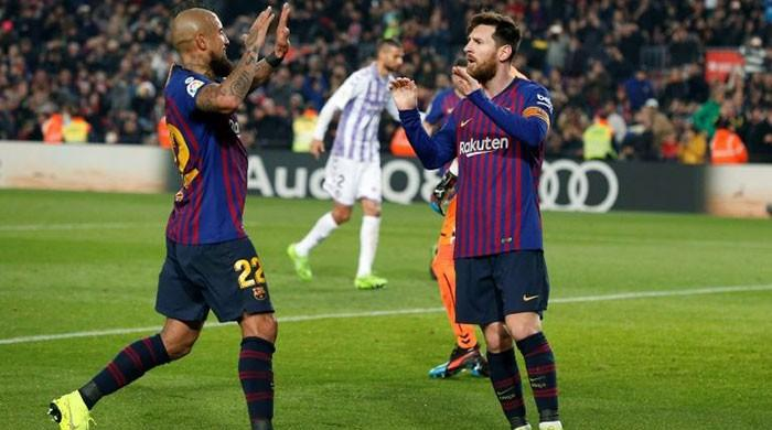 Messi penalty lifts Barca as Griezmann eclipses Torres