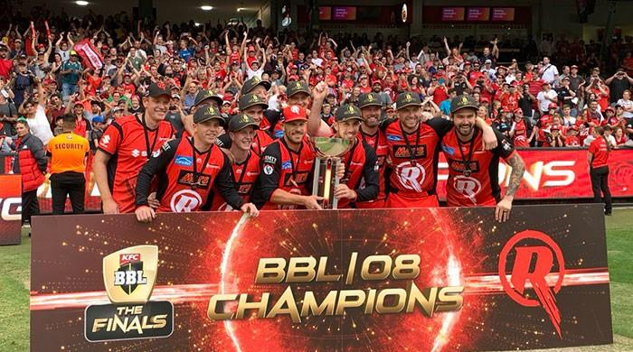 Renegades win Melbourne derby BBL final as Stars implode