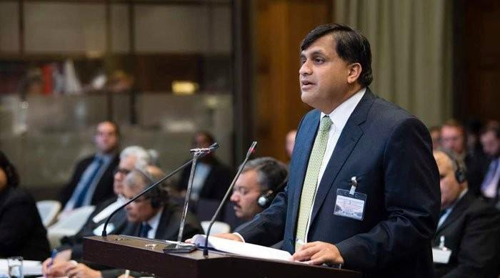 Pakistan calls back high commissioner from India