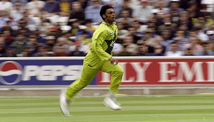 OnThisDay: Shoaib Akhtar bowled the fastest recorded ball in ...