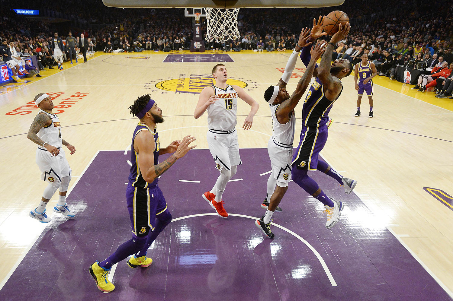 LeBron James #23 of the Los Angeles Lakers scores to pass Michael Jordan and move to #4 on the NBA´s all-time scoring list- AFp