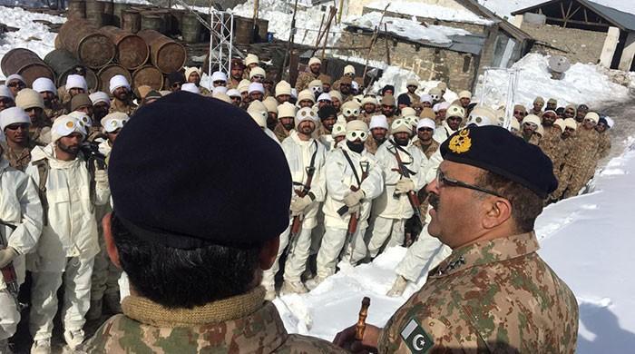 Rawalpindi corps commander visits troops at Siachen: ISPR