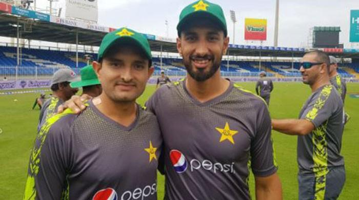 Abbas and Shan debut, Umar Akmal returns as Pakistan bat against Australia