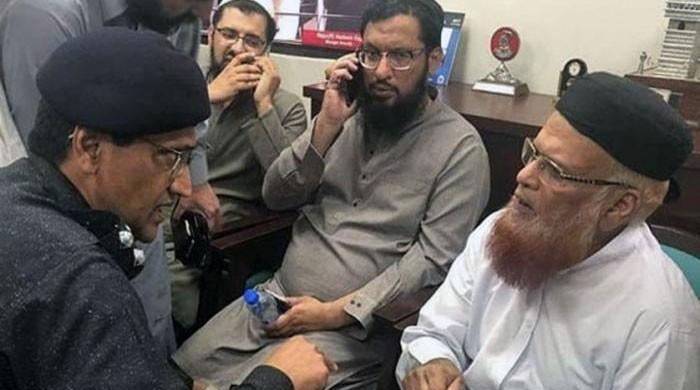 Mufti Taqi Usmani survives assassination attempt in Karachi, guards killed