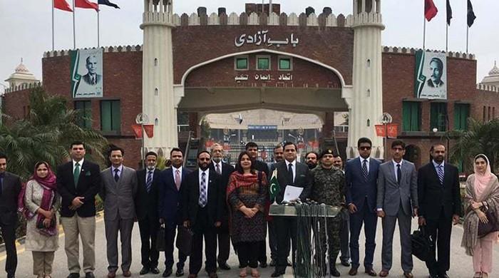 Pakistan, India hold talks on Kartarpur corridor