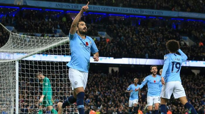 Title, top four and pride at stake in massive Manchester derby