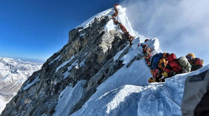 Four more deaths on Nepal's traffic-jammed Everest peak