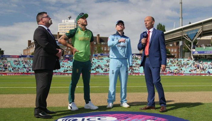 South Africa bowls in World Cup opener against England