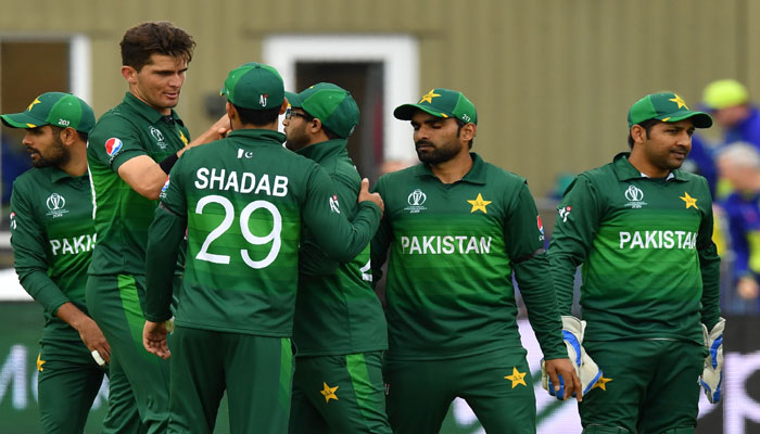 Pakistan´s players celebrate after the dismissal of Australia´s Mitchell Starc during the 2019 Cricket World Cup group stage match between Australia and Pakistan at The County Ground in Taunton. Photo: AFP