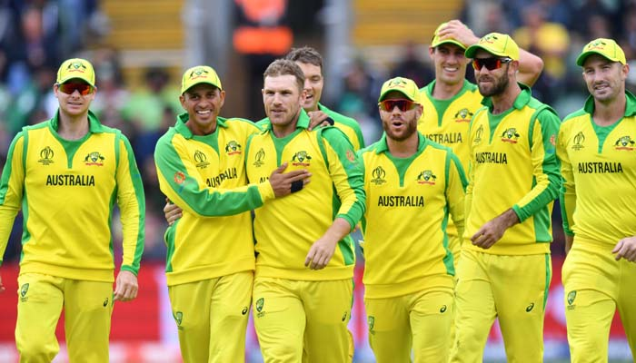 Australia´s captain Aaron Finch (C) celebrates with teammates after the dismissal of Pakistan´s Mohammad Hafeez. Photo: AFP