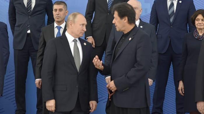 PM Imran, Russian President Vladimir Putin held several informal discussions at SCO meeting