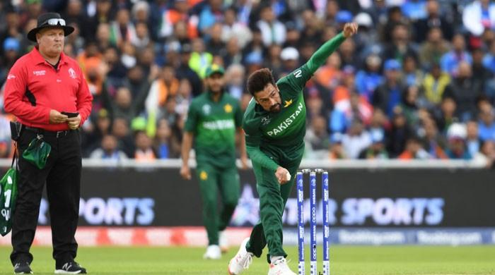 Pakistan lost but Mohammad Amir wins latest showdown against Virat Kohli