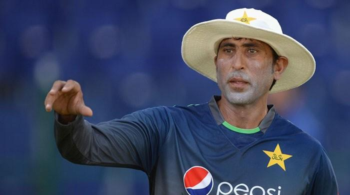 Former cricketers involved in grouping are now criticising Pakistani team, says Younis