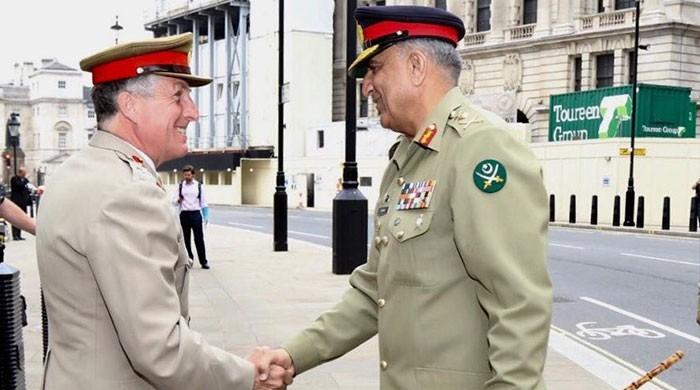 COAS Bajwa meets UK counterpart, discusses bilateral military cooperation