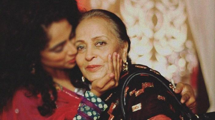 Iconic actor Zaheen Tahira put on ventilator