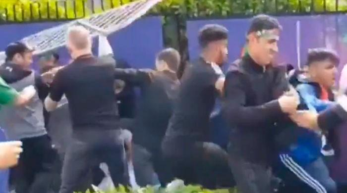 Scuffles in Headingley as Afghan supporters manhandle Pakistani fans, journalists