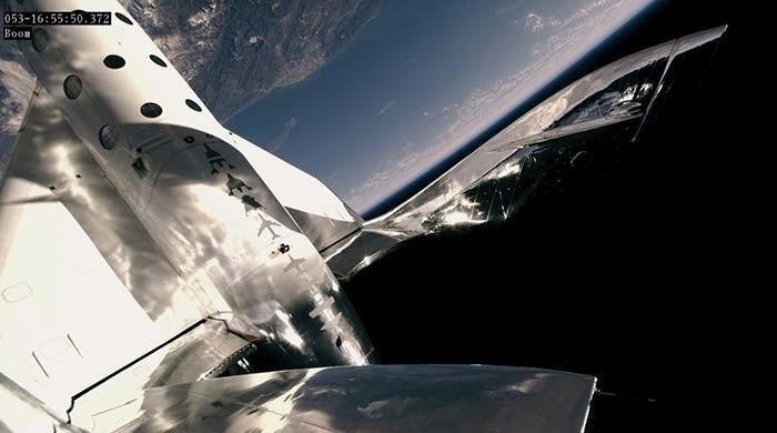 Virgin Galactic to become first space-tourism company to go public