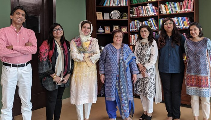 Women journalists' group meets Mazari to discuss 'action against