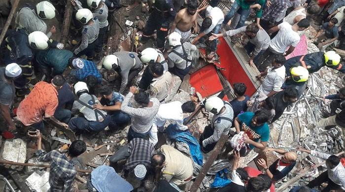 'More than 30' feared trapped in Mumbai building collapse