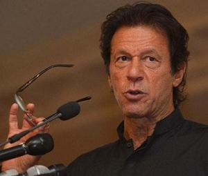 Stepping back over fear of traders' strikes would be traitorous to Pakistan: PM Imran