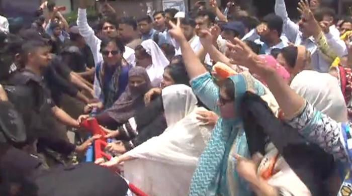 Sindh Nurses Alliance protesters, police clash in Karachi
