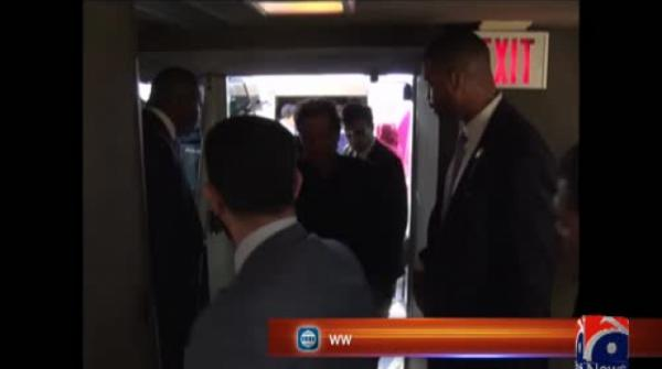 PM Imran meets Pakistani businessmen during first US visit