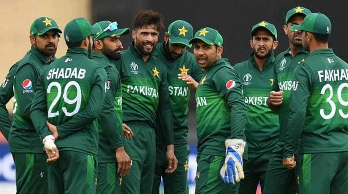 Hafeez and Malik left out, Amir relegated as PCB announces central contracts