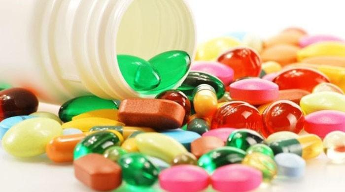 Seniors at greater risk of choking on dietary supplements