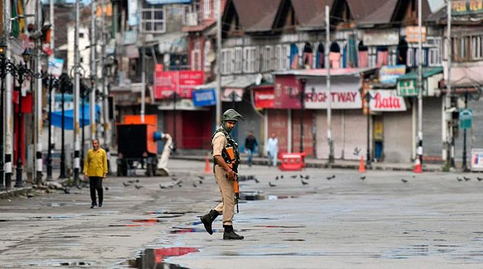 Detained Hurriyat leaders call for protest after Friday prayers in occupied Kashmir
