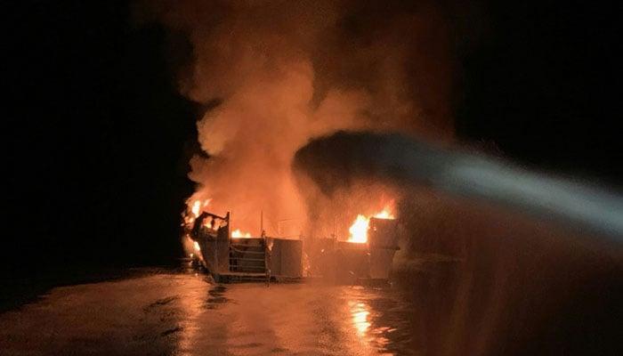Boat fire kills eight off California's Santa Cruz Island
