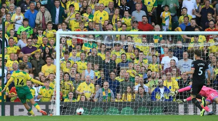 Man City stunned by Norwich as Liverpool stretch Premier League lead