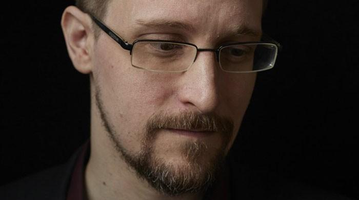Edward Snowden says he would like to return to US if granted fair trial
