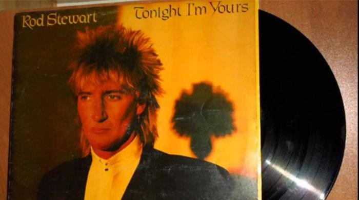 Rock legend Rod Stewart reveals secret prostate cancer fight