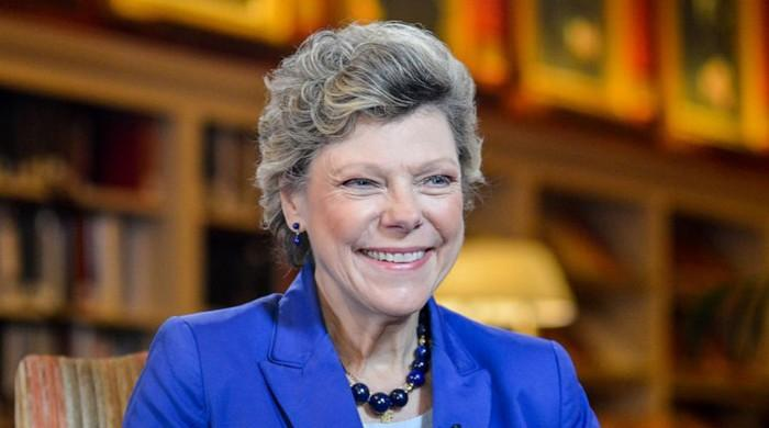 Cokie Roberts, NPR's 'founding mother' and veteran journalist, dies at 75