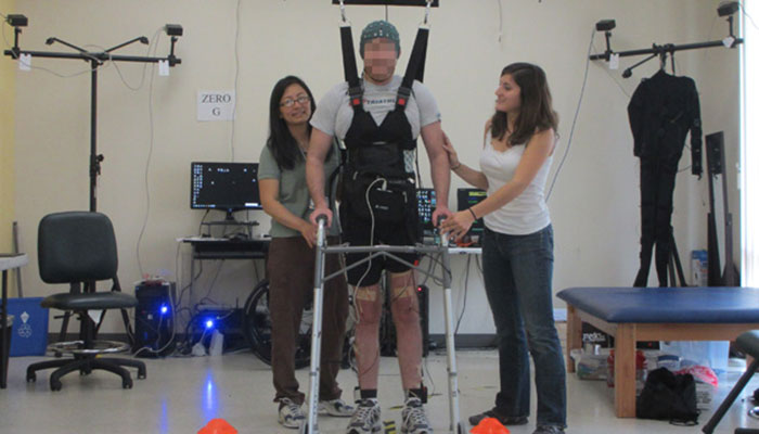 CBBC Newsround: Mind-reading skeleton suit helps paralysed man to walk