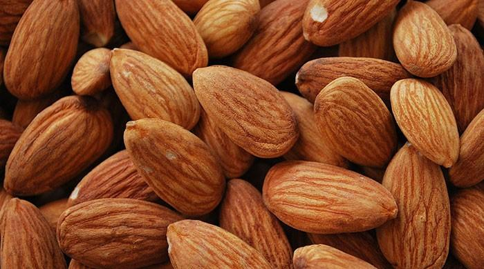 Eating almonds every day reduces facial wrinkles: study
