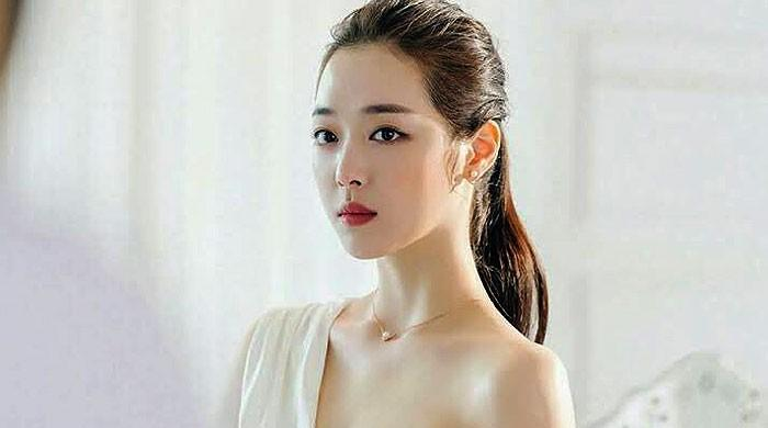 Sulli may have committed suicide