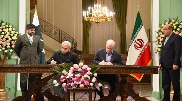 Pakistan, Iran agree to cooperate in health sector