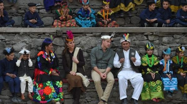 Prince William and Kate socialise in Kalash Valley, try on feathered caps, luxurious shawls
