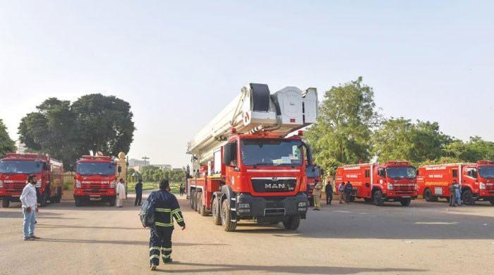 Fire fighters go on strike in Karachi